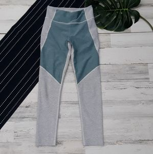 Outdoor Voices  Two Tone 3/4 Leggings Blue Gray XS